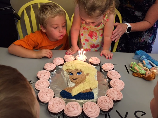 Elsa cake and cupcakes - delish!